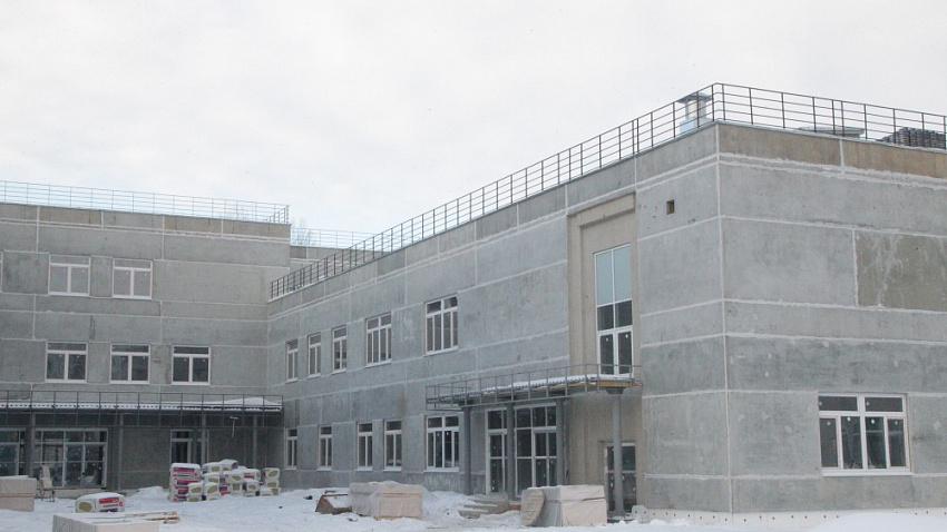 Места хватит всем. Самая большая школа на Урале откроет свои двери в следующем учебном году