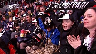 Команда «Трактор» поддержала юных хоккеистов из Уйского района