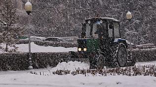Из-за снегопада челябинских водителей просят быть осторожнее за рулем
