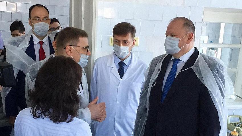 Алексей Текслер остался недоволен состоянием больницы в Карабаше
