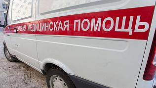 «Не может стоять и говорить»: политолог пожаловался, что час ждал «скорую» для своей матери в Челябинске