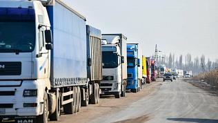 Временное снижение скорости ввели для водителей на границе с Казахстаном