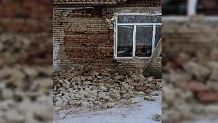 Стена школы рухнула в Челябинской области