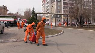 Спасатели дезинфицируют челябинскую больницу № 8