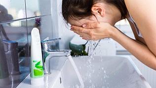 Промывать глаза, нос и горло во избежание заражения коронавирусом советуют в МЧС
