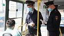 В Челябинске полицейские предупреждают о важности самоизоляции