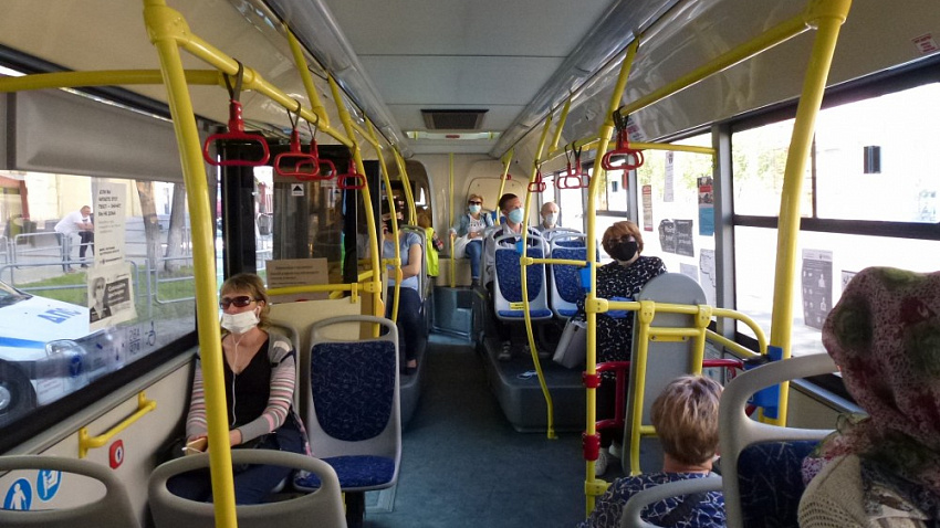 В Челябинске каждый пятый пассажир нарушает масочный режим