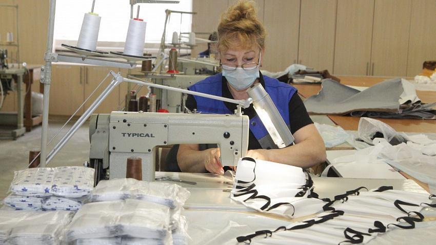 Челябинские фабрики перешли на пошив масок