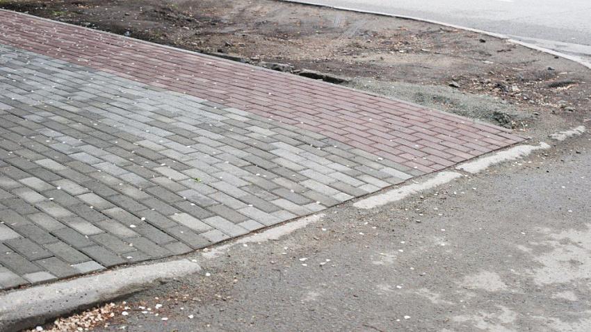 В Челябинске тротуарную сеть реконструируют по московским технологиям