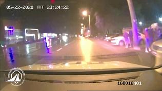Нелегальные автогонки в Челябинске предотвратили сотрудники ГИБДД: оперативное видео
