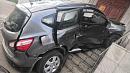 Автоледи на кроссовере протаранила крыльцо здания в Магнитогорске