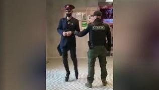 Уголовное дело завели на ЧОПовца, который ударил эпатажного покупателя в магазине Челябинска