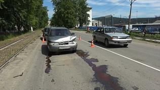 Пьяный водитель подбил две машины в Златоусте: видео с места ДТП