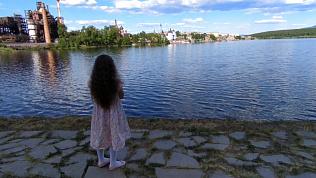 Прогулка по набережной Сатки: видео со сказочным пейзажем