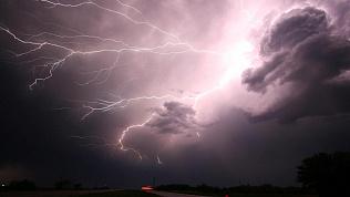 Грозы и дожди придут на смену жаре в Челябинской области