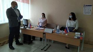 Представители Общественной палаты следят за голосованием в каждом муниципалитете