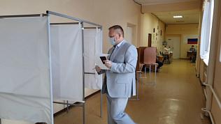 Досрочное голосование эксперта ОНФ попало на видео
