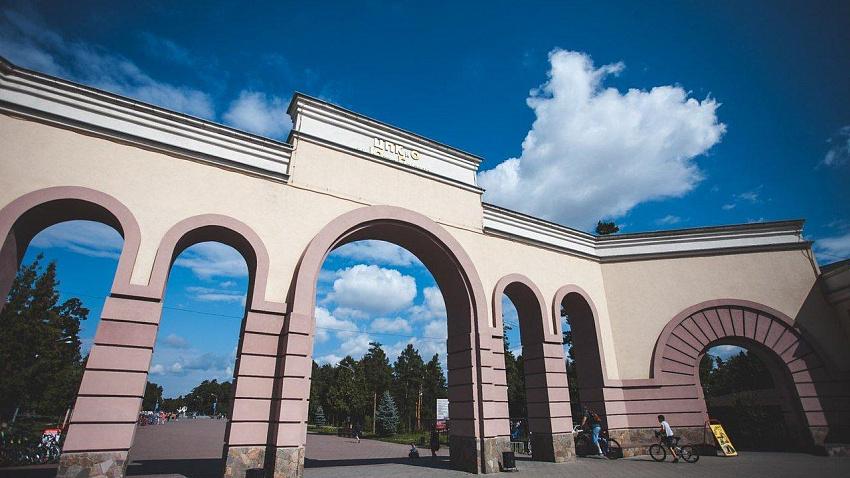 Новые аттракционы установили в челябинском парке Гагарина