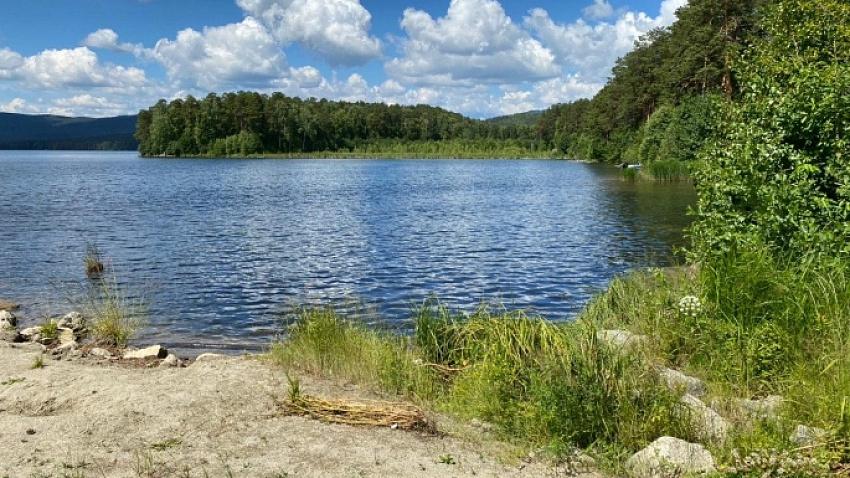 На озере Тургояк для отдыхающих оборудуют парковку