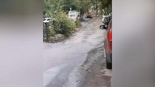 Челябинцы пожаловались на поток воды возле дома