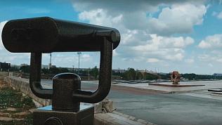 Меценат установил смотровой бинокль в Магнитогорске