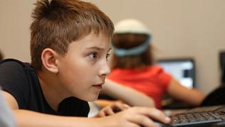 Для российских школ разработают софт, блокирующий экстремистский контент
