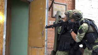 Видео задержания условных преступников сняли росгвардейцы Челябинской области