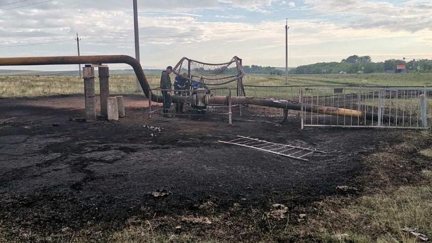 В Нагайбакском районе молния ударила в газопровод