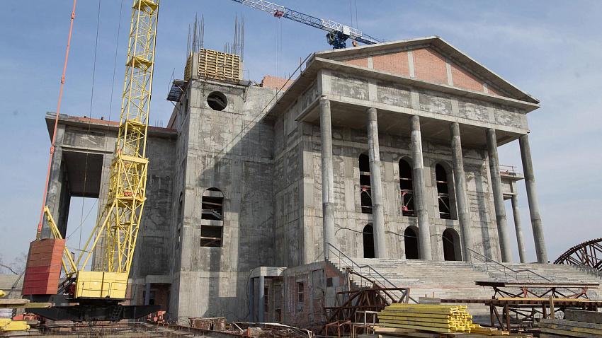 На строительство кафедрального собора заходит новый подрядчик