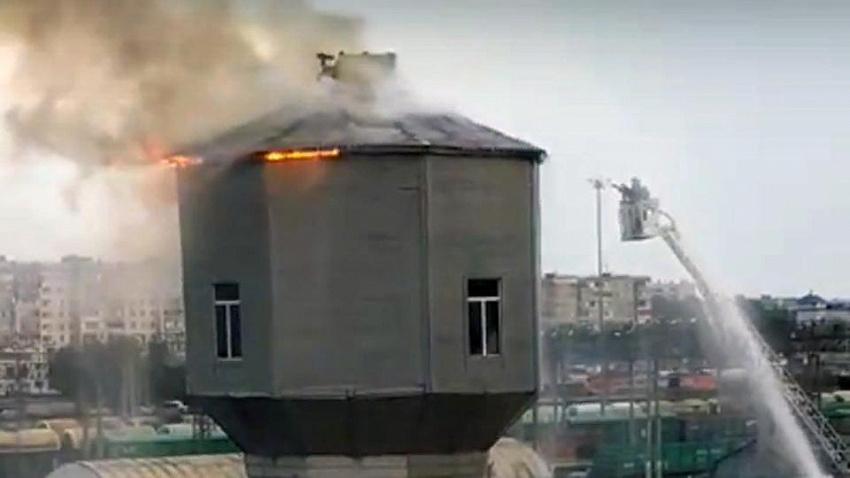 Водонапорная башня загорелась в Челябинске