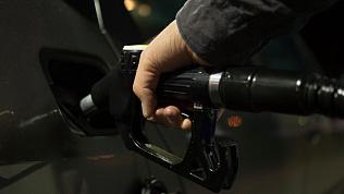 Цены на бензин выросли на челябинских АЗС