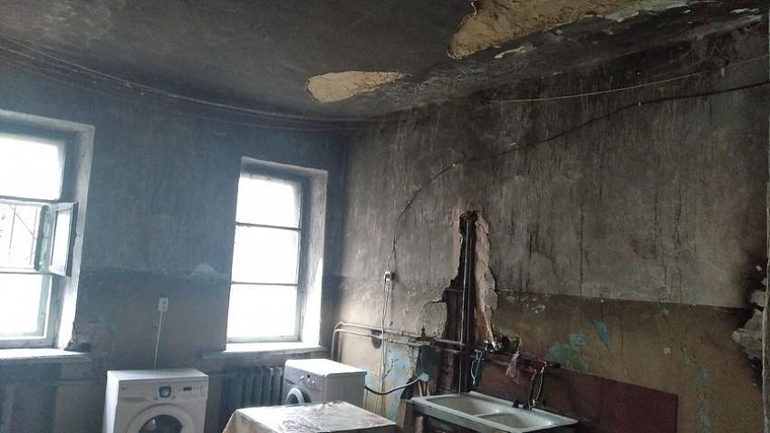 СК начал проверку по факту обрушения потолка на ребенка