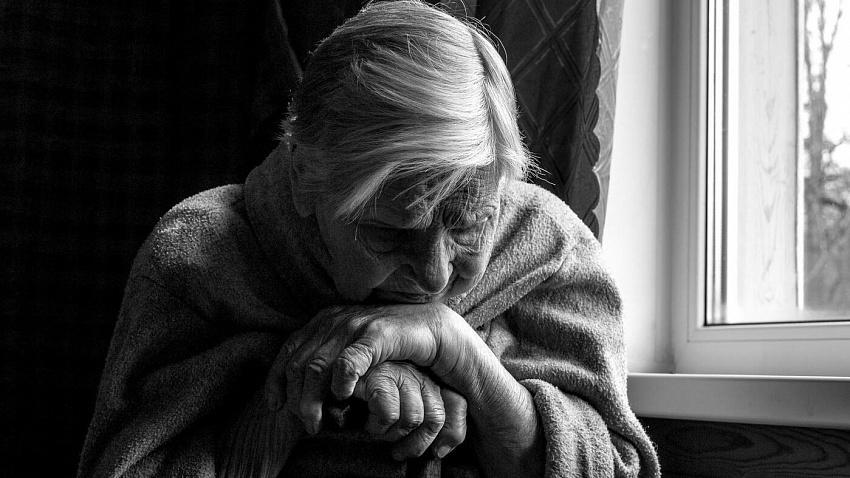 Как справиться с одиночеством в старости?