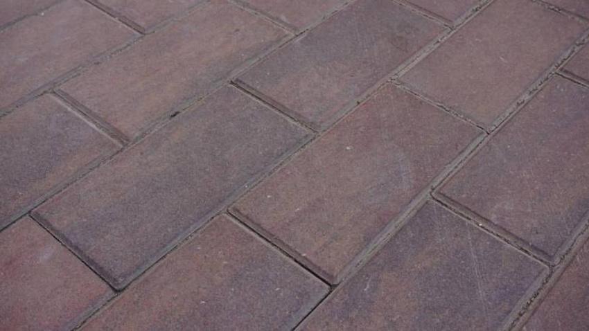 Челябинские власти откажутся от тротуарной плитки с фаской