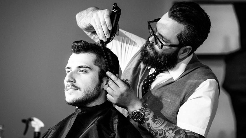 Идеальный образ барбера: от причёски до униформы