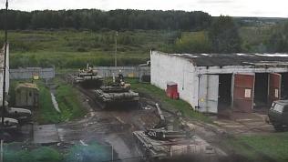 8 тысяч военных на танках и бронетранспортерах вышли в «поля» под Чебаркулем