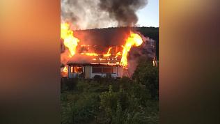 Пожар под Златоустом уничтожил садовый дом