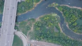 Подрядчик завершает очистку реки Миасс в Челябинске