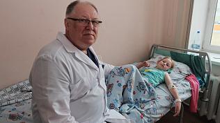 В ЧОДКБ прооперировали девочку с двумя желудками