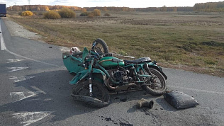 В Челябинской области мотоцикл столкнулся с грузовиком
