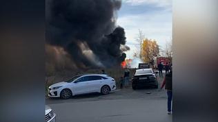Видео автомобильного пожара на северо-западе Челябинска