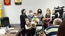 В челябинской мэрии наградили детей за спасение шестилетней девочки из ледяной воды