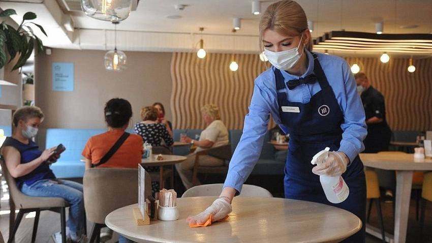 В России запретили работу ночных кафе и ресторанов