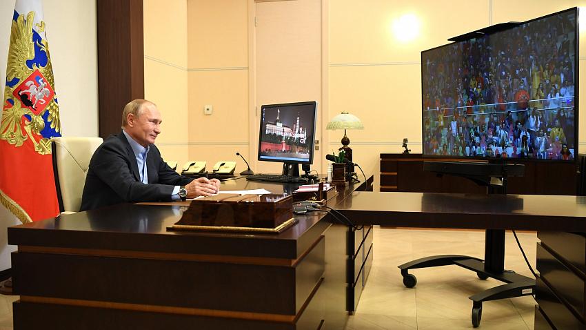 Владимир Путин предложил сделать конкурс «Большая перемена» ежегодным