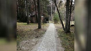 Дорожки в туристической деревне нацпарка «Таганай» выложили плиткой