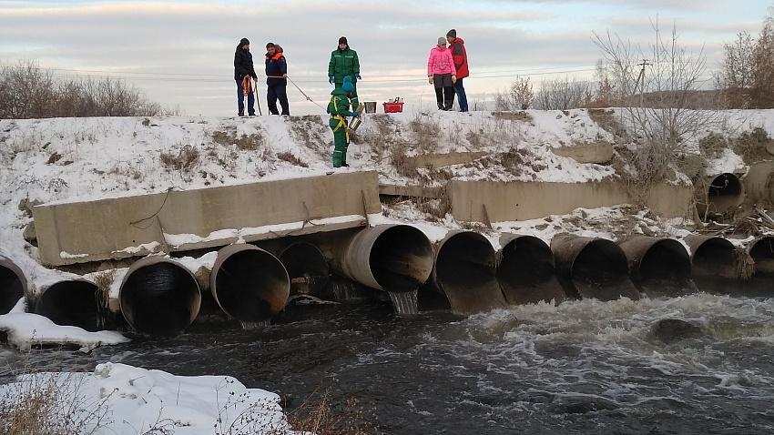 Суд взыскал с ЧМК 47,7 млн рублей за загрязнение реки Миасс