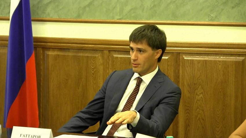 Руслан Гаттаров подал иск к Евгению Тефтелеву