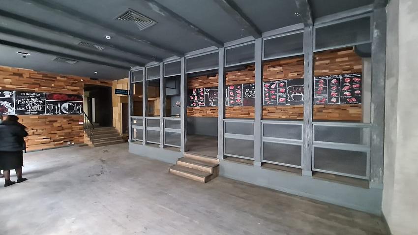 Илья Ройтенберг откроет бар «Лаборатории живого пива» на Кировке