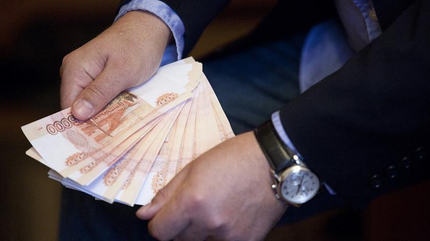Челябинским чиновникам повысят зарплату