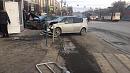Две машины вылетели натротуар во время ДТП вЧелябинске